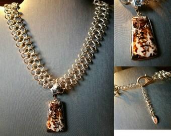 Stunning Leopard Agate Pendant Choker