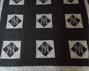 New York Yankees Twin Size Quilt with Sham