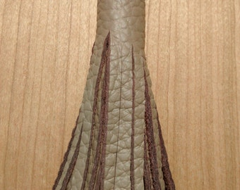 Tassels pendant made of genuine leather