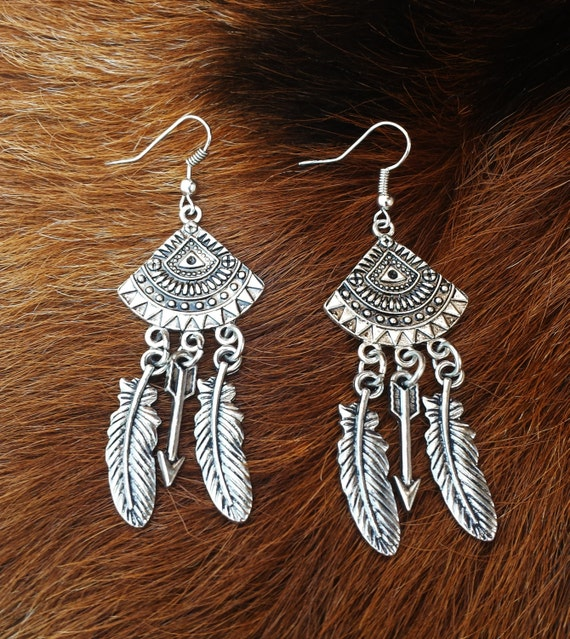 Western Style Antique Silver Dangle Earrings With Silver
