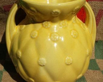 Shawnee Vase #827