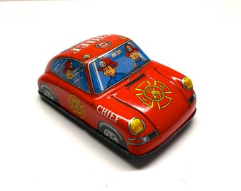 Tin litho Toy Fire Chief Friction Car, Made In Japan - Vintage Toy