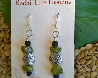 Sale - Green Quartz Chip & Silver Bead Earrings, Green Stone Earrings, Stone Chip Earrings, Fun Earrings, Lightweight Earrings, Boho Style