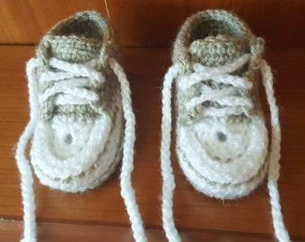 Baby booties, crochet baby booties