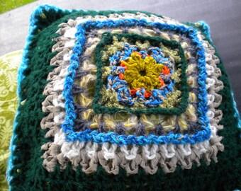 Decorative Häkel-cushions, Granny square, wool, fabric, DIY, vintage - look