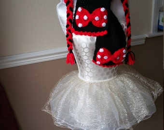 Crochet Minnie Mouse hat and scarf set