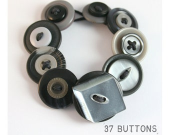 Art Deco style Button Bracelet - Shades of Grey
