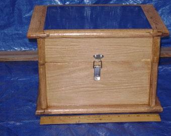 Novelty box in blue