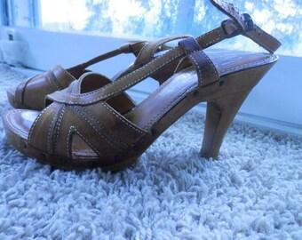 wooden peep toe heel platform shoes QUALI craft size 7.5B vintage 1970s era