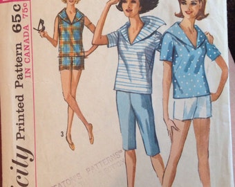 Vintage short and shirt pattern /Vogue 5386/ size 12