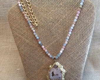 Beaded necklace with druzy geode agate pendant