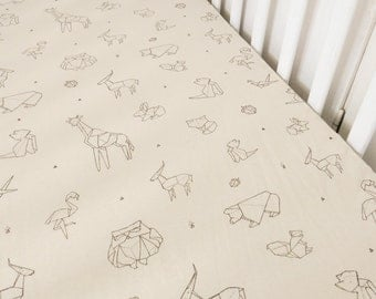 Fitted crib sheet, organic cotton, animals pattern - baby sheet - baby crib sheet - cot sheet - crib bedding - cot bedding - baby shower