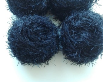Black yarn, eyelash yarn, textures yarn, synthetic yarn, yarn lot, cheap yarn, medium yarn, worsted yarn, aran yarn, afgan yarn, knitting