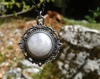 Moonstone on Medallion silver Baroque necklace