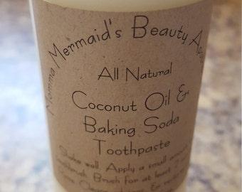 Coconut Oil & Baking Soda Toothpaste