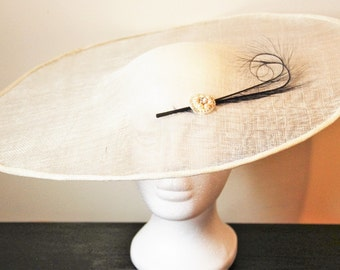 Ivory fascinator hat with ostrich feather, ivory wedding hat, hat with feather, feather hat, feather fascinator, large ivory hat