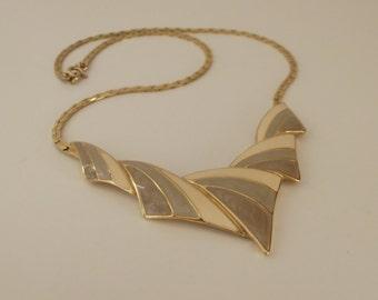 Vintage Trifari Necklace. Enamel Necklace