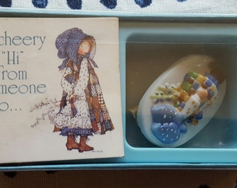 Vintage Holly Hobbie Ceramic Pin Americard American Greetings NIP