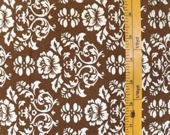 Robert Kaufman, pimatex basics, Screen Print D#BKT 10535, Mocha quilting material with white floral print