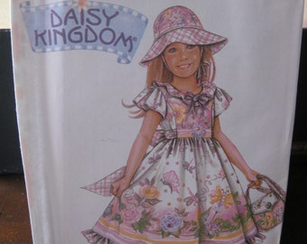 Pattern SIMPLICITY 4667 dress for girls