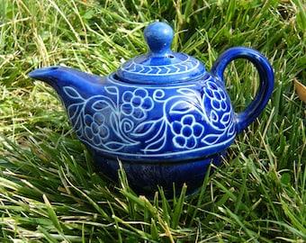 Blue insized T-Pot unkown maker