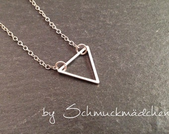 Chain silver triangle simply