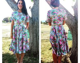 90s Floral Button Down Dress with Hip Pockets