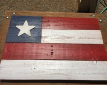 """Pallet Wood American Flag 19.5"""" x 13.5"""" - Indoor or Outdoor Wall Decor - Just in time for Independence Day!"""