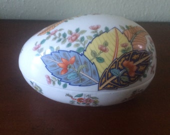 Vintage Tobacco Leaf by Mann Egg Container