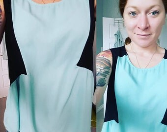Sleeveless blouse - Aqua and Black colour blocking