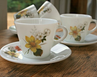 Set of Vintage Pyrex JAJ Cups & Saucers in Autumn Glory Design