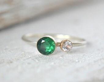 Silver Emerald Ring. Dainty Emerald Ring, Green Ring, Small Emerald Ring,May Birthstone Ring,Emerald Stackable Ring, Ring,Green Emerald Ring