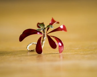 Handmade wire flower red + gold