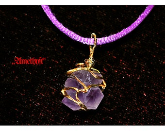 Amethyst Amulet mit Golddraht