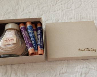 Chantilly Powder Sacket Perfume - Houbigant, NY