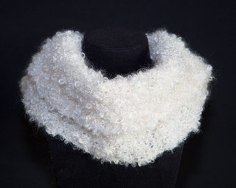 White / unbleached mohair snood