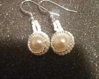 Beaded pearl earrings ivory