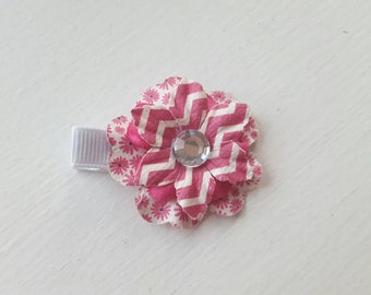 Pink and White Flower Hair Clip. Alligator Clip.