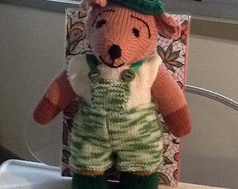 Bear in green