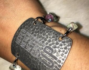 Beaded charm bracelet changeable pendant