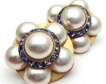 Faux Pearl and Multi colored Rhinestones Flower Round Clip on Earrings Retro Vintage Daisy clip-on from the 80s