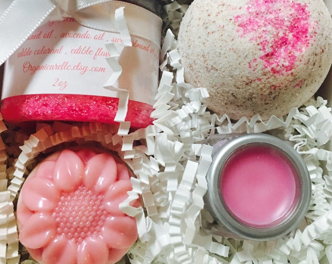 4pc mini gift box pampering gift box , bath bom , lip scrub , lip balm lotion bar