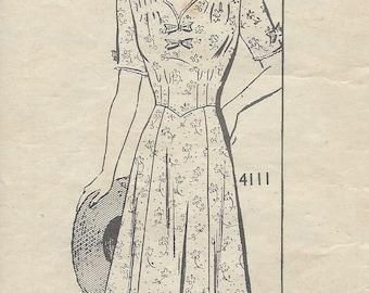 "1940s Vintage Sewing Pattern B38"" DRESS (R89) By 'ANNE ADAMS' 4111"