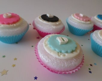 Edible Monogram Cake Topper, Cupcake Topper, Fondant Letters, Fondant Letter Topper, Monogram Cake Topper, Edible Initials, Initial Topper