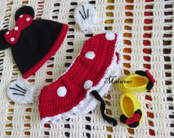 Crochet Minnie Mouse Baby/Newborn outfit set..Photo prop