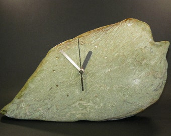 Mantel clock, table clock, clock made of natural stone