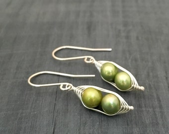 Mothers day gift // Pea pod earrings // Two peas in a pod with green fresh water pearls twin jewelry, gift for gift for her.