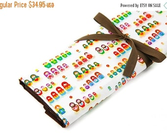Sale 25% OFF Large Knitting Needle Case - Little Mariska - 30 brown pockets for all sizes or paint brushes