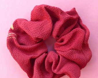 Japanese Kimono fabric scrunchie - red 01