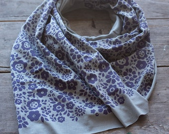 Soft gray jersey-knit bamboo scarf with hand-printed Mayflowers pattern